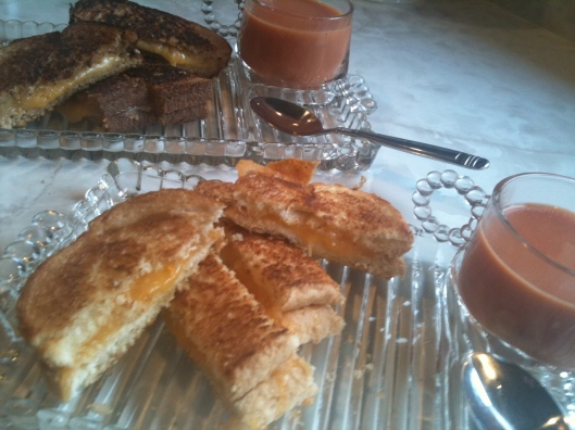 Grillled cheese sandwich with tomato soup