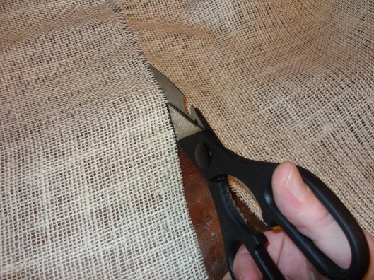 how to keep burlap from fraying without sewing