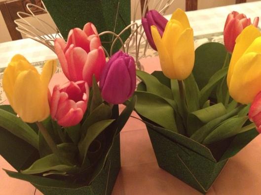 Simple Easter Tulip Centerpiece