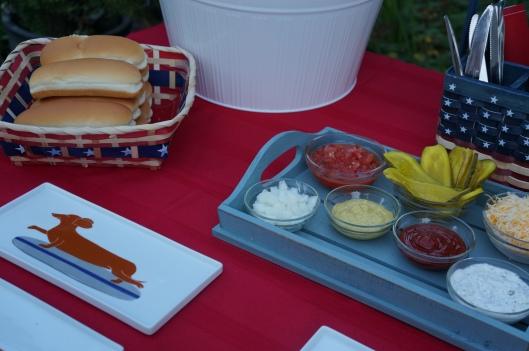 hot dog topping bar