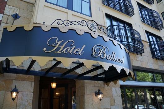 Hotel Ballard Exterior