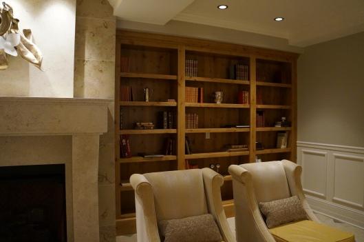Hotel Ballard Library